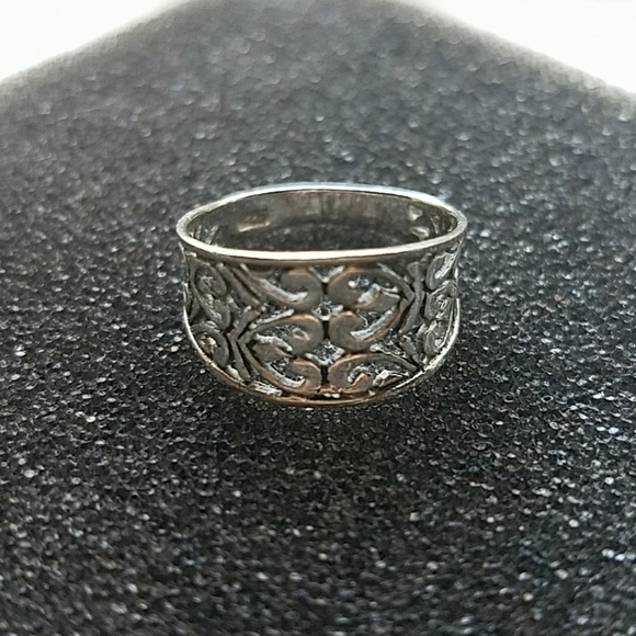 Silver ring engraved with 825  Size 7